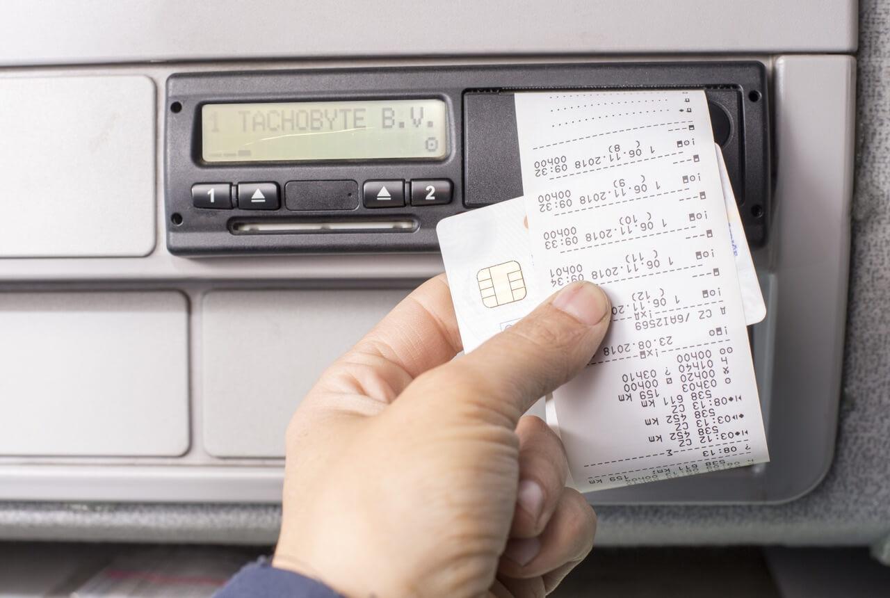 Digitale tachograaf uitlezen op afstand.